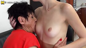 Horny Old And Young Lesbians Lick Eachother Wet - MatureNL